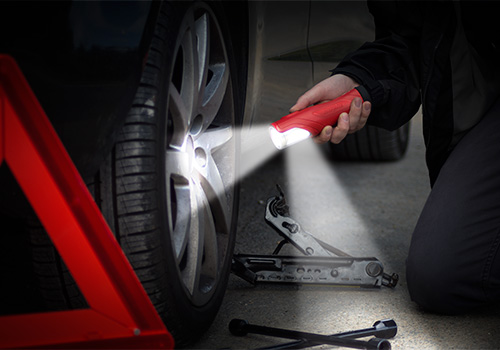All-in-One-emergency-handheld-Light-tire-2